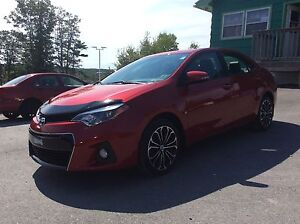 2015 Toyota Corolla SPORT MANUAL WITH SUNROOF!