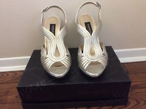 Town shoes silver & gold high heels