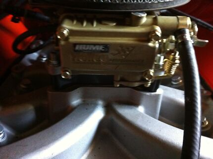 Holden 304 Manifold Intake With 650 Holley  Medowie Port Stephens Area Preview
