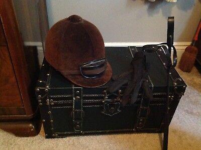 Womens Vintage Equestrian Brown Riding Hat  7 1/8 Tress & Co w/Crop & Glove