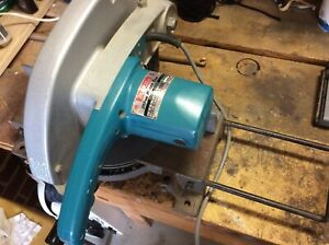 Makita 255mm mitre saw