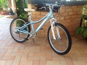 "Girls Giant bike 24"" Kurri Kurri Cessnock Area Preview"