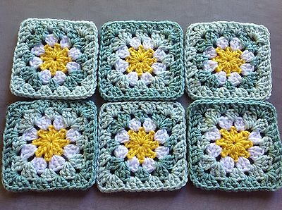 "20 4 1/2"" LIGHT GREEN Hand Crochet FLOWER GRANNY SQUARES Afghan Blocks Throw"