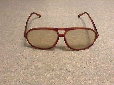 Ancienne paire de lunettes vintage rétro (ar)