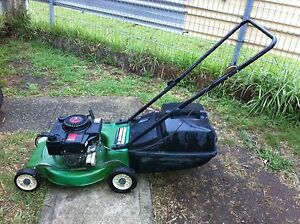 Victa standard 4 stroke lawn mower Miller Liverpool Area Preview