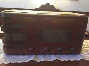 Antique solid wood radio