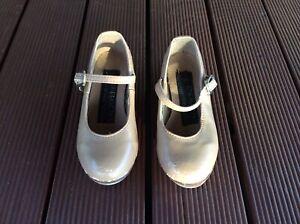 Energetiks Tan Toddler Child Tap Shoes Size 7.5