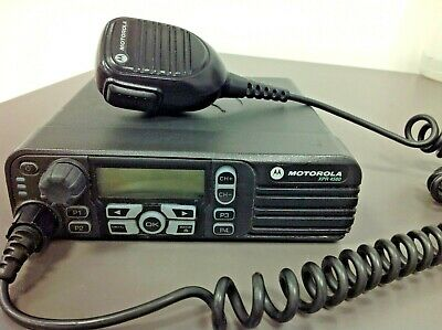 Motorola Xpr 4580 Model Aam27umh9lb1an 800-900 Mhz With Mic Mount Power