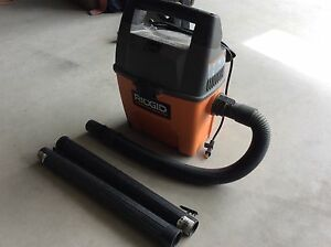 Rigid 3gal wetdry shop vac