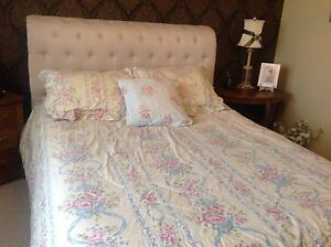 French country, full queen bedding.
