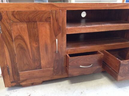 High quality SOLID WOOD TV unit Ashmore Gold Coast City Preview
