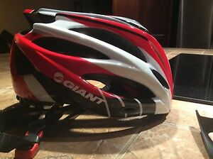 Casque Giant/helmet brand name Giant (L/XL)