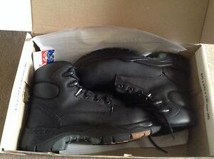 Work boots (steel cap, brand new) Lynwood Canning Area Preview