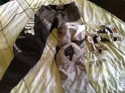 SHIFT Brand Motorcycle Pants and Gloves Sz 34