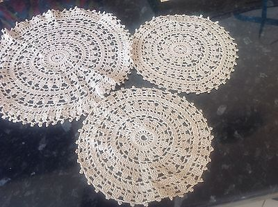 Vintage Doilies a set of three in Very good condition