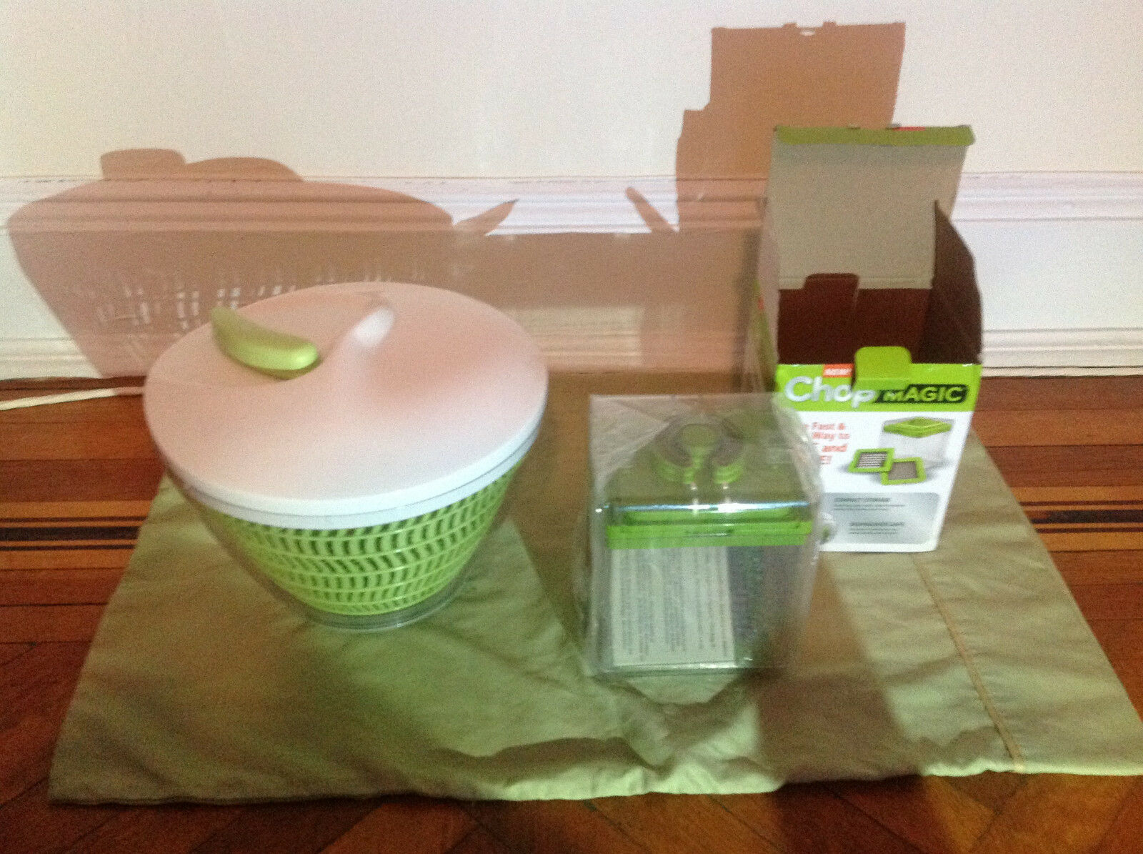 ChopMagic Vegetable Cutter w Free Salad Spinner