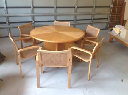 Dining tables Thornton Maitland Area Preview