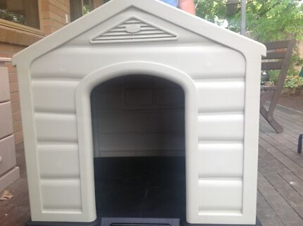 Large dog house Wanniassa Tuggeranong Preview
