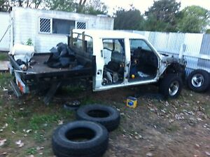 Hilux wrecking 87 v6 North Tivoli Ipswich City Preview
