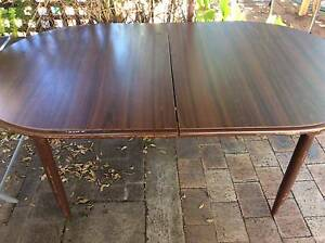 EXTENDABLE DINING TABLE Condell Park Bankstown Area Preview
