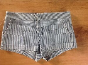 TOPSHOP-Blue-white-Striped-Bleached-Denim-Hotpants-Shorts-Size-10-BNWT