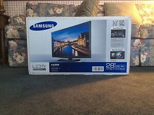 "Samsung 28"" LED TV Series 4000"