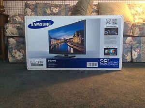 "Samsung 28"" LED TV Series 4000"
