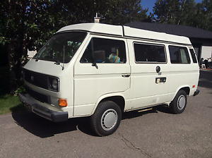 1985 Volkswagen Bus Vanagon Westfalia pop top Camper Van