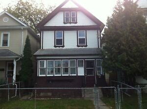 4BR house on Mountain Avenue, Available Immediately