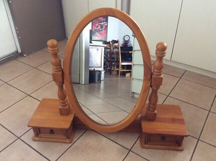 Duchess mirror for dressing table Joondalup Joondalup Area Preview