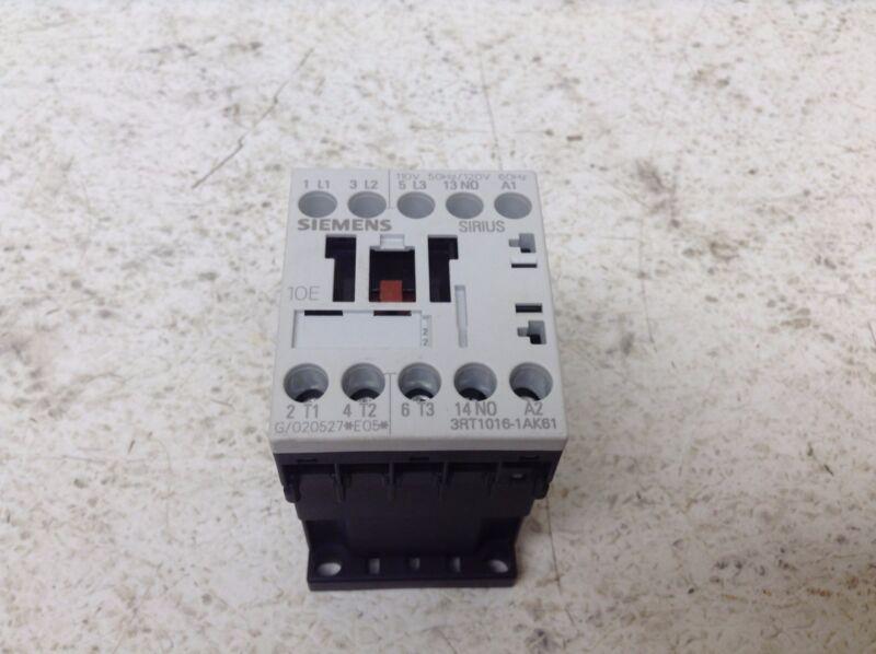 Siemens 3RT1016-1AK61 Motor Starter 110/120 VAC Coil 3RT10161AK61