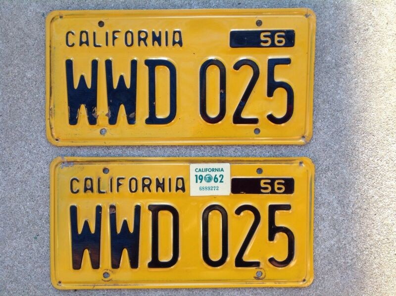 ( 2 ) - MATCHING PAIR 1956 - 1962  CALIFORNIA LICENSE PLATES