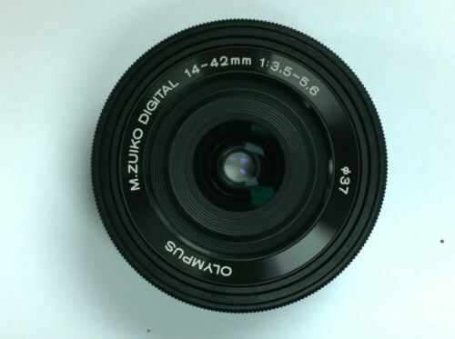 Olympus M.Zuiko Digital ED 14-42mm f/3.5-5.6 EZ Zoom Lens for Most Olympus OM-D and PEN Cameras Black V314070BU000