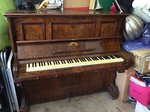 FREE Piano - Soon for the skip :-( Davidson Warringah Area Preview