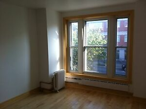 2 bedrooms Mile End