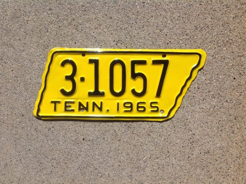"""1965  TENNESSEE - """"STATE SHAPED"""" - MOTORCYCLE LICENSE PLATE - REPAINTED"""