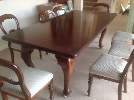 Antique dinning table and 8 chairs Mount Eliza Mornington Peninsula Preview