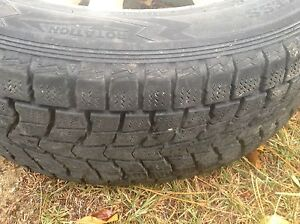 Set of 4 winter tires with rims 215 65 R16