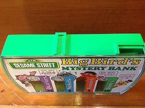 Sesame Street Vintage Toy Big Bird's Mystery Bank 1976 Windsor Region Ontario image 10