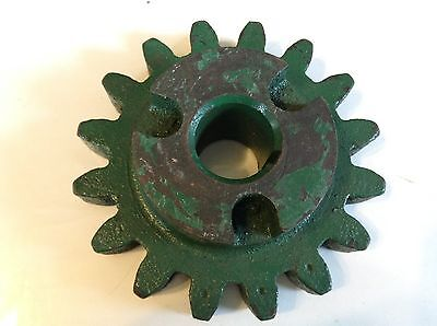 301642 - A New 16 Tooth Drive Sprocket For A New Idea No. 309 323 Corn Picker