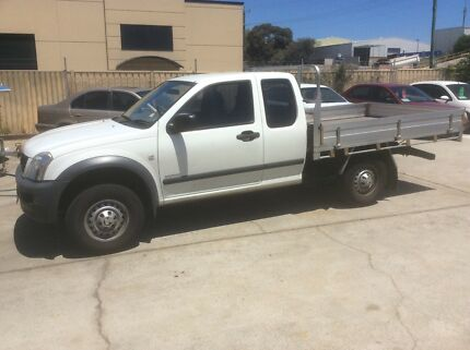 2004 HOLDEN RODEO EXTRA CAB AUTO TRAY BACK UTE.