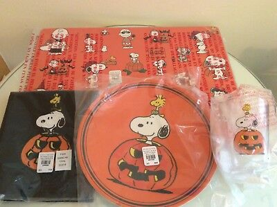 Pottery Barn peanuts Snoopy Halloween pumpkin place mat plate cup Napkin SET NEW