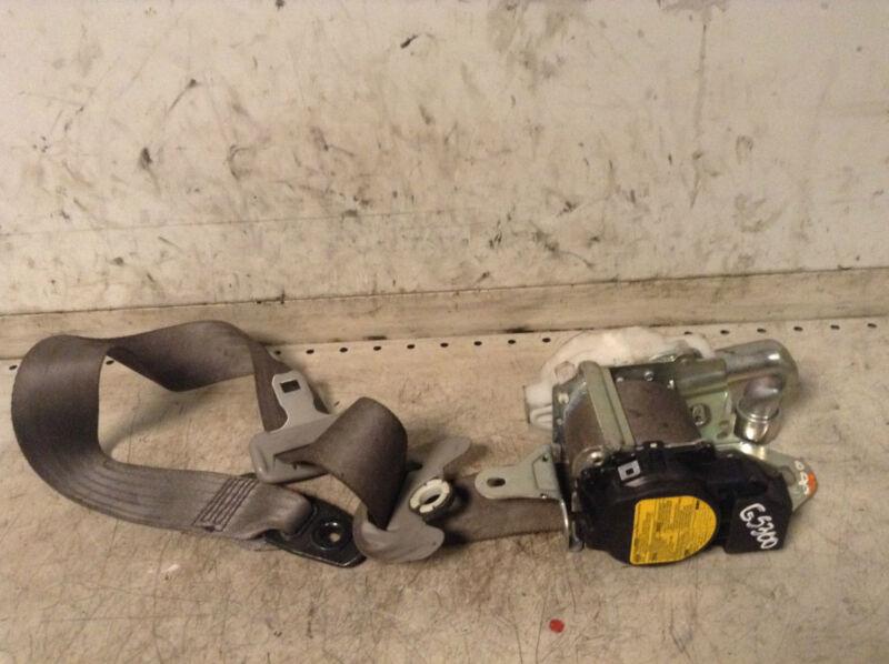 Lexus GS300 GS 300 Front right driver side set belt 7Q1620-P