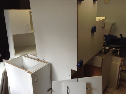Second hand kitchen, dismantled and ready to pickup
