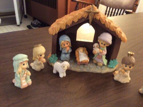 2007 Precious Moments Nativity Set with box