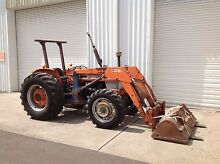 Kubota M7500DT tractor loader bucket & forks Penrith Penrith Area Preview