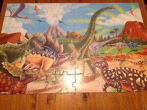 Puzzle / Casse-tête de dinosaures WOOD'N THINGS