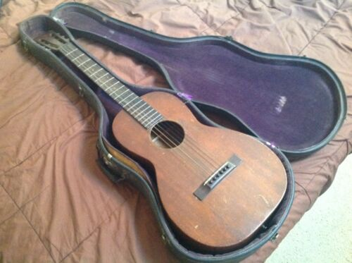 Martin 1930 model 2-17 vintage guitar with hard case