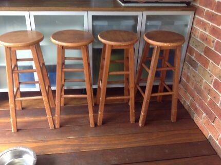 4 x Bar stools