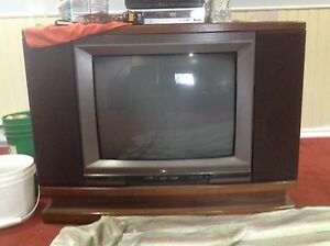 Hitachi  Solid State Color TV  West Island Greater Montréal image 1